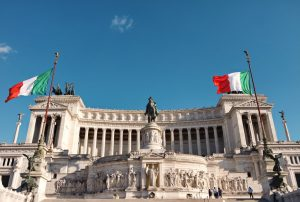 """Italia """"smemorata"""". Il valore della memoria degli Eroi nell'epoca dei big data"""